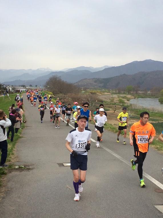 第17回長野マラソン、カラダ張って応援!